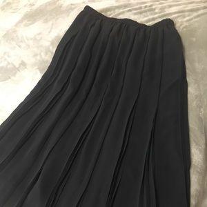 Marks & Spencer Black Women Long Skirt Sz 16 pleat